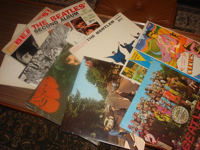 ビートルズ赤盤レコード