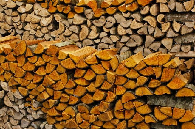 薪の室内乾燥