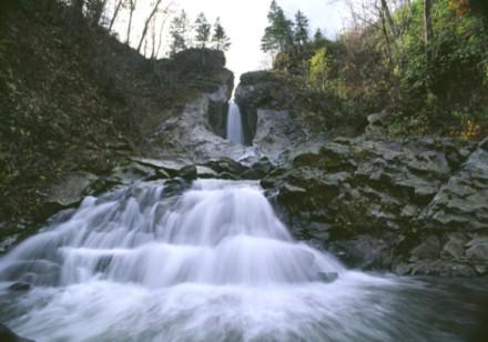 月見沢の無名滝